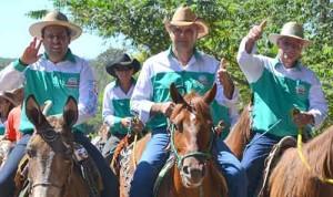 Paulo-Carneiro-em-cavalgada-na-EXPO-PALMEIROPOLIS-500