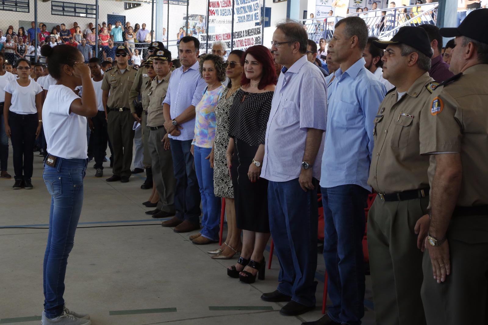 Disciplina e concentração são trabalhadas junto aos alunos do Colégio da Polícia Militar