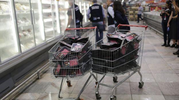 Carne recolhida em supermercado do Rio de Janeiro