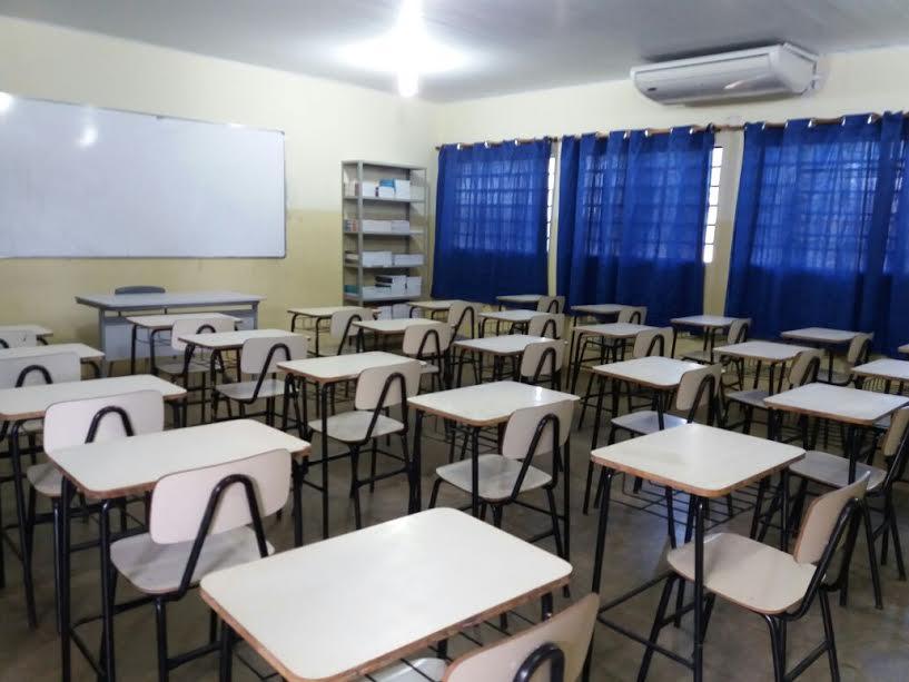 Salas equipadas no Colégio Agrícola.