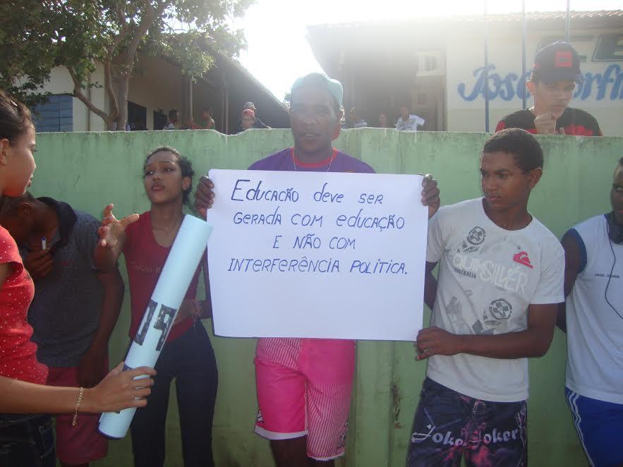 Manifestação por uma educação pública de qualidade no campo para os filhos dos agricultores familiar.