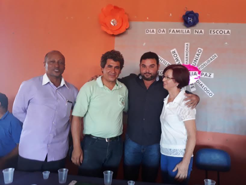 Presidente da Câmara Edivan, Cirineu da Rocha, prefeito André Borba e Sonia Maria.