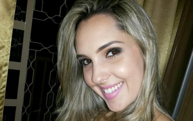 Fisioterapeuta Caillane Marinho foi morta dentro de casa após ser baleada (Foto: Reprodução/Facebook) Morte