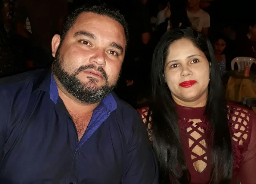 Prefeito de São Salavdor André Broba e sua esposa Amanda Broba.