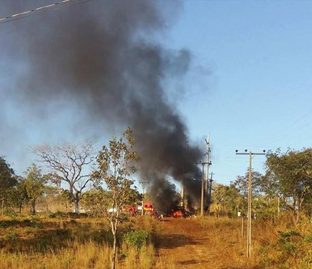 caminhão pega fogo